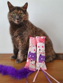 Snuffelzakjeset Happy Pink met staart en lintjes (catnip én valeriaan)