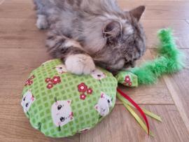 Snuffelballon Groene Fleurtje met lintjes, staart, knisper en belletjes  catnip én valeriaan (20 cm rond)