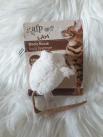 Muis met lamswol, catnip en piep