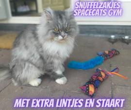 Snuffelzakjeset  Spacecats met staart en lintjes (gevuld met catnip én valeriaan)