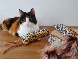 Snuffelzakjeset Luipaard pluimstaart en  lintjes (gevuld met catnip én valeriaan)