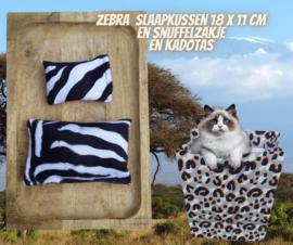 Slaapkussen + snuffelzakje Zebra  (gevuld naar wens)