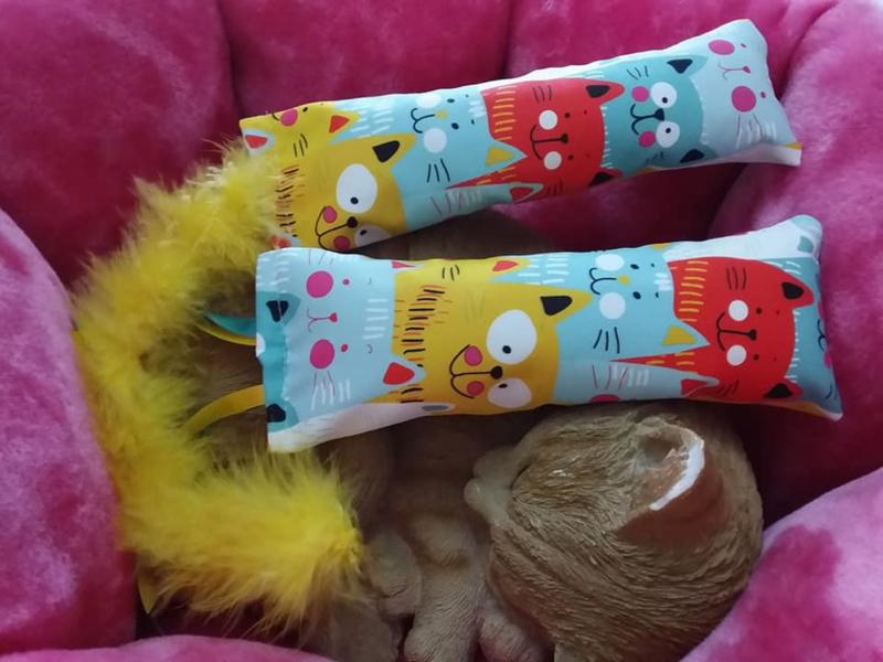 Snuffelzakjeset Happy Yellow met staart en lintjes (catnip én valeriaan)