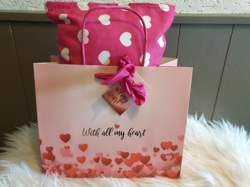 Snuffelzak MEGA Roze Hartjes in cadeautas (gevuld met catnip én valeriaan)