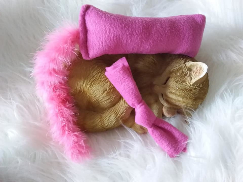 Snuffelzakje roze fleece+ snuffelknoop met staart (gevuld met catnip én valeriaan)
