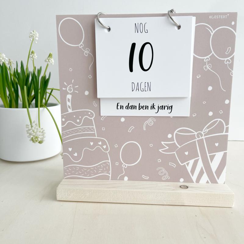 Aftelbord   aftelkalender   verjaardag & vakantie   ecru