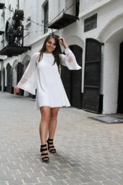 Witte jurk met kant