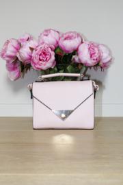 Roze  handtas met zwart detail