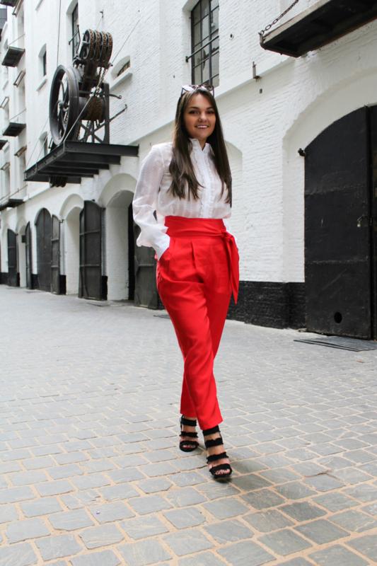 Rode geklede broek