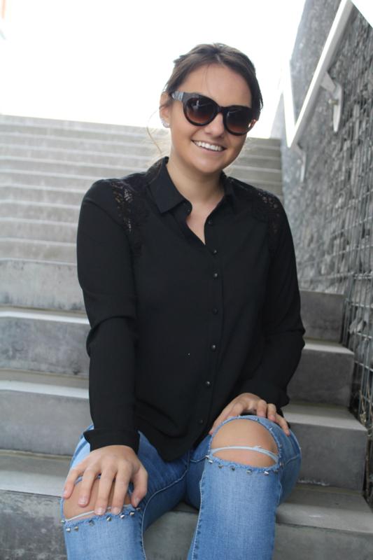 Zwarte blouse met kant