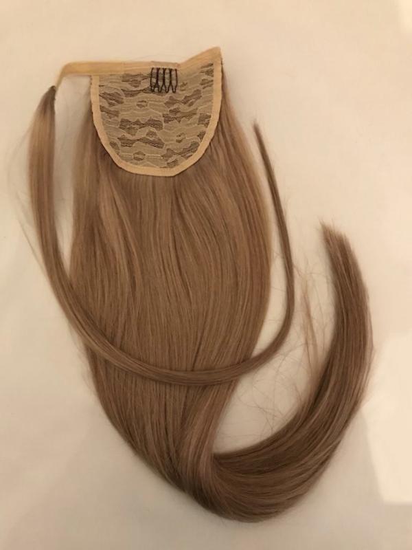 Ponytail blond