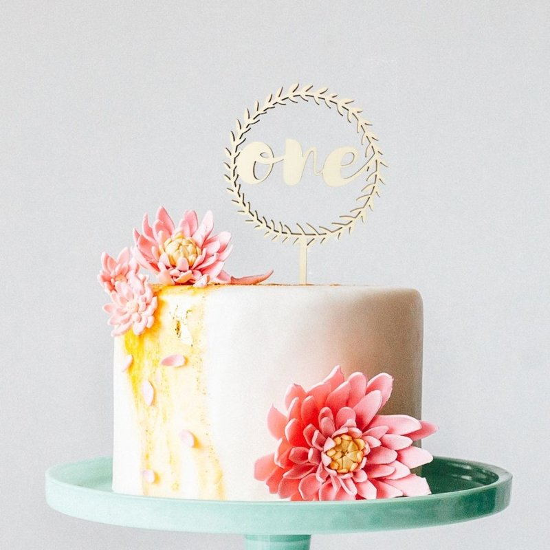 Houten taarttopper   Krans verjaardag
