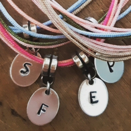 "ARMBAND ""SILVER LETTERS"""