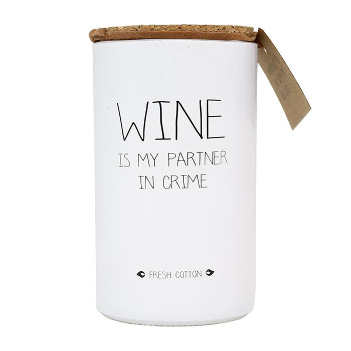 Wine is my partner in crime - Geurkaars