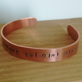 Koperen armband met eigen tekst medium 10 mm