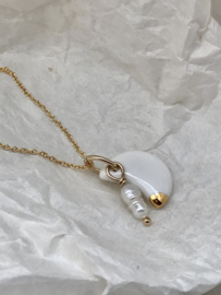 Moon Gold filled ketting 45 cm met wild zoetwater pareltje