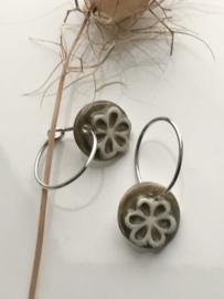 Oorring 925 zilver Retro Flower - olive brown