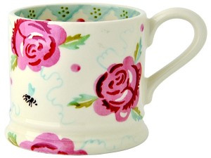 small mug rose & bee