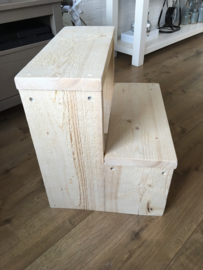 Trapje van steigerhout