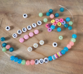 DIY kralen en letter armband