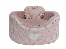Eh Gia Plush round Pink Lace mt 2