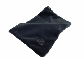 Eh Gia My Hearts blanket Black