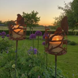 Vogel windlichthouder,  tuinsteker. ⌀ 15 cm, lengte 145 cm. Roest Metaal