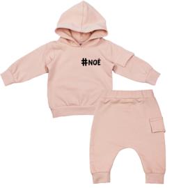Hoodie pak met klepzakje | Hashtag klein | 4 Kleuren