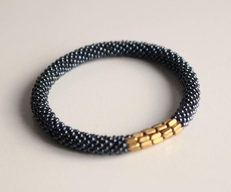 Glaskralen armband - zilvergrijs - fair trade