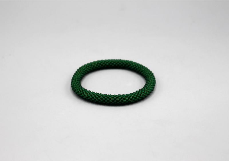 Glaskralen armband - donker groen