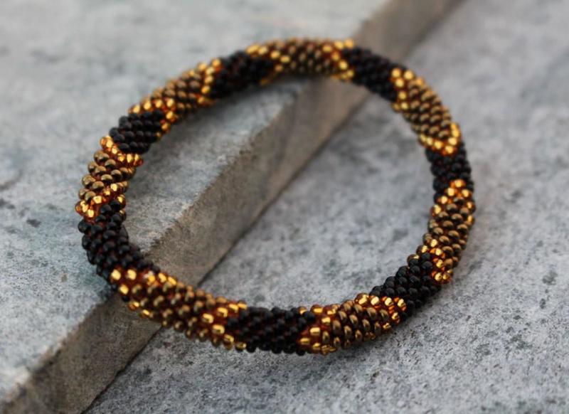 Glaskralen armband - goud, zwart