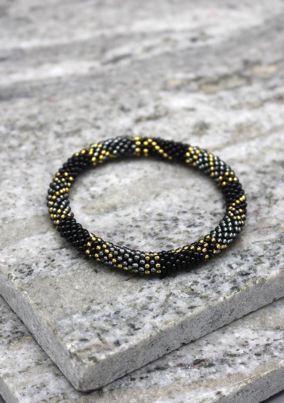 Glaskralen armband - zwart, goud