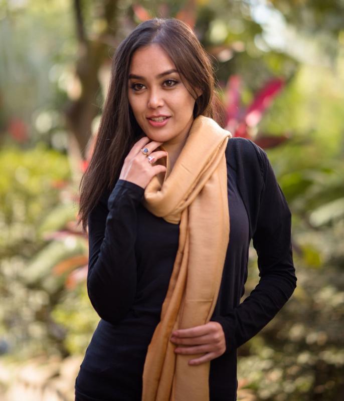 Honing kleurige water pashmina sjaal