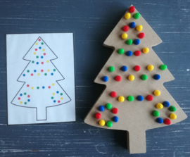 Decorate Christmas tree (with pearls)
