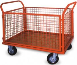 Budget plateauwagen met twee duwbeugels en rondom gaas keuze tot 500kg laadvermogen.
