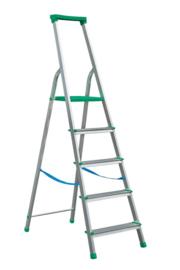 Vrijstaande aluminium professionele trapladder of huishoudtrapje met kunststof platform en kunststofbeugel. Verschillende lengtes.