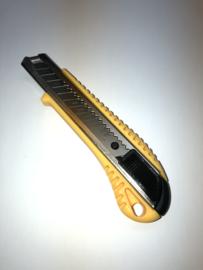 Professioneel kwaliteitsmes 18 mm breed het mes wordt automatisch vergrendeld.
