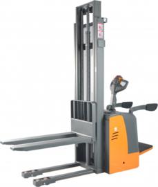 Electrische stapelaar maximum tot 3300 mm en 1000 kg met sta-platform