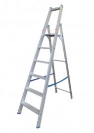 Robuuste aluminium trapladder voor industriële toepassingen in diverse hoogtes