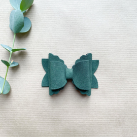 Cloudy bow green