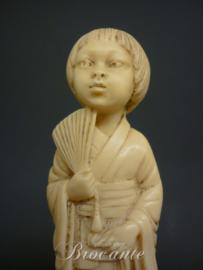 Chinees geisha in ivorine