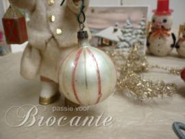Oude glazen kerstbal
