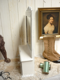 Oud landelijk brocante scheerkastje/toiletkastje/hangkastje met spiegel gepatineerd