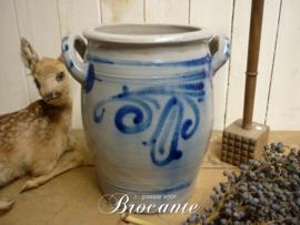 Oude brocante bewaarpot (smoutpot) in grès aardewerk, blauw grijs