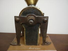 Zeldzame grote brocante winkel koffiemolen - 1833