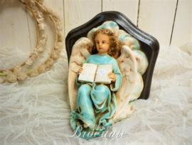 Plaasteren hangconsole - engel met boek