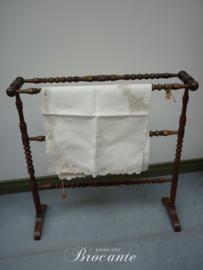 Mooi brocante handdoekrekje/droogrekje in mahonie