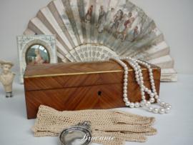 Mooie antieke 19de Eeuwse handschoendoos met inlegwerk