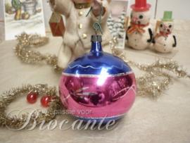 Vintage glazen kerstbal met reflex