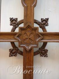 Mooi antiek Neo gotisch kruis